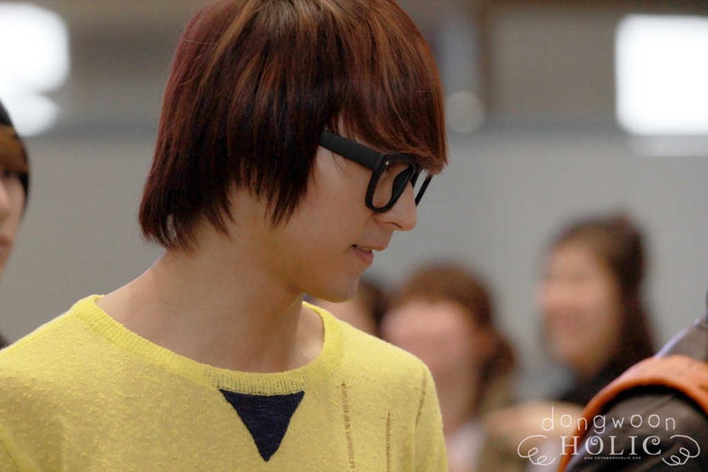 [ صور ] Dong Woon في مطار Incheon عائد من تايلند !! Tumblr_m2iwlpvqdg1r8h1ifo1_1280