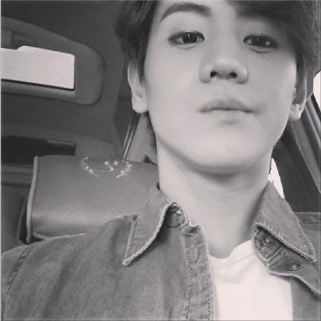 @yysbeast: Black and White photo. Euhehehe.